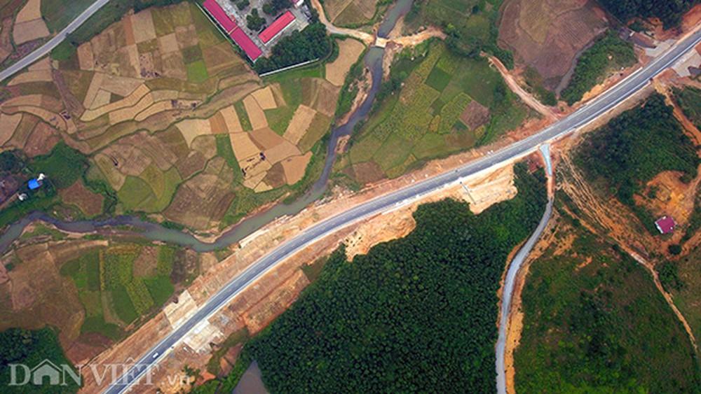 Cao tốc Hà Nội - Hòa Bình góp phần rút ngắn thời gian đi Mộc Châu còn 3 giờ đồng hồ