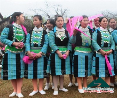 Mysterious Power in women's silver jewelry green Hmong