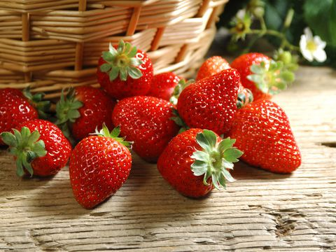 Moc Chau strawberry - Tay Bac specialty cooperative