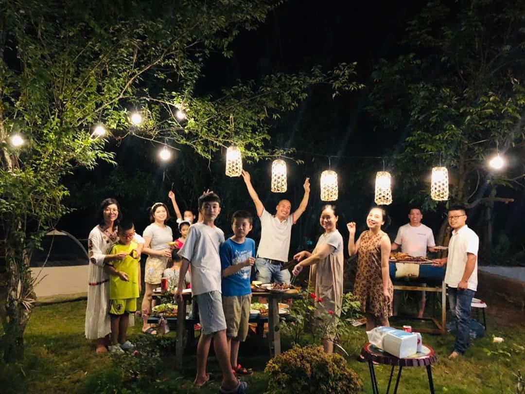BBQ ngoài trời ở Mộc Châu với cả gia đình