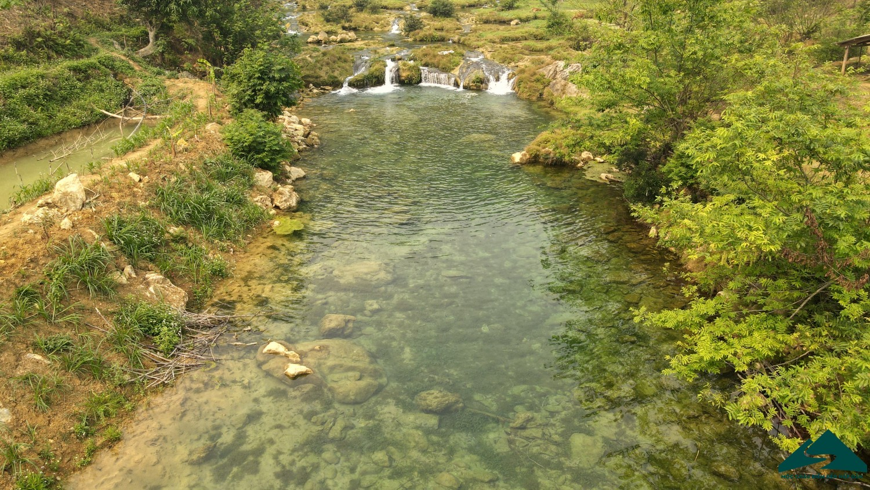 suối ở thác nàng tiên